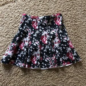 Abercrombie and Fitch: Floral Skirt